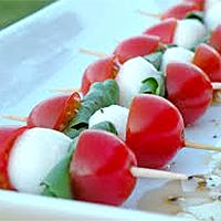 finger food a spillo pomodorini e bufala_zani catering