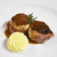 Secondo_Percorso-di-terra_Il-filetto-di-maiale-lardellato-aceto-balsamico-e-purea-di-patate_zani