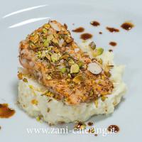Secondo_Percorso-rivisitato_Trancetto-salmone-crosta-mandorle,-pistacchio,-crema,-soia_zani